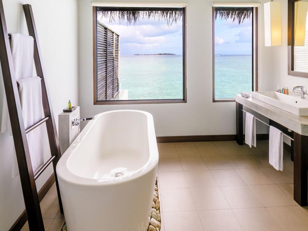 벨라사루 몰디브(Velassaru Maldives) Hotel Image 40 - Bathroom
