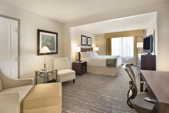 Guestroom at Holiday Inn Hotel & Suites Scottsdale North - Airpark in Scottsdale