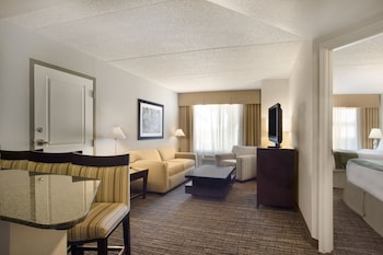 Suite, 1 King Bed, Accessible, Non Smoking (Mobility Tub)