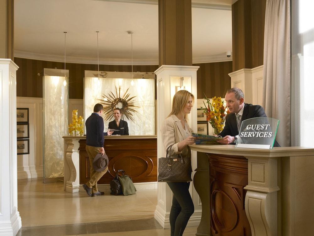 https://i.travelapi.com/hotels/2000000/1150000/1146500/1146412/11eca4b9_z.jpg