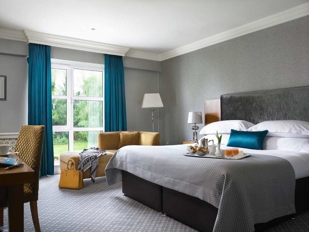 https://i.travelapi.com/hotels/2000000/1150000/1146500/1146412/5431c192_z.jpg