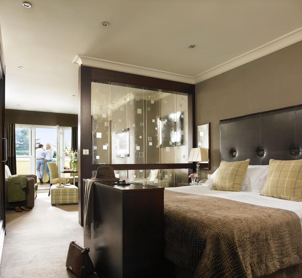 https://i.travelapi.com/hotels/2000000/1150000/1146500/1146412/c1cecc1f_z.jpg