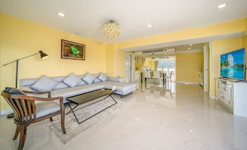 Luxury Suite, 2 Bedrooms, Sea View