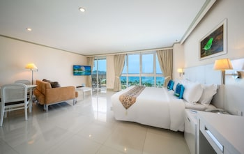 Super Deluxe Sea View Room
