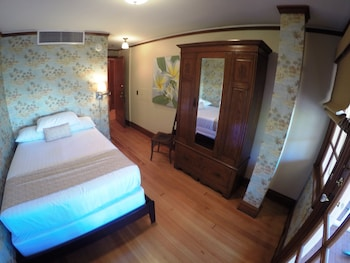 Oceanside Room