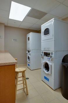 Guestroom at SpringHill Suites by Marriott Savannah Airport in Savannah