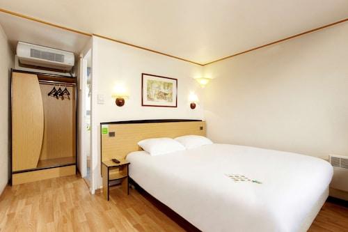 . Hotel Campanile Rouen Nord - Barentin
