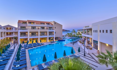 . Porto Platanias Beach Resort & Spa