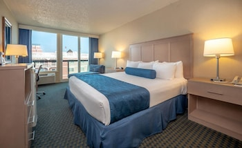 Standard Room, 1 King Bed (Limited View, No Balcony)