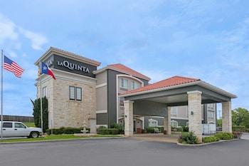 Hotel - La Quinta Inn & Suites by Wyndham Fredericksburg