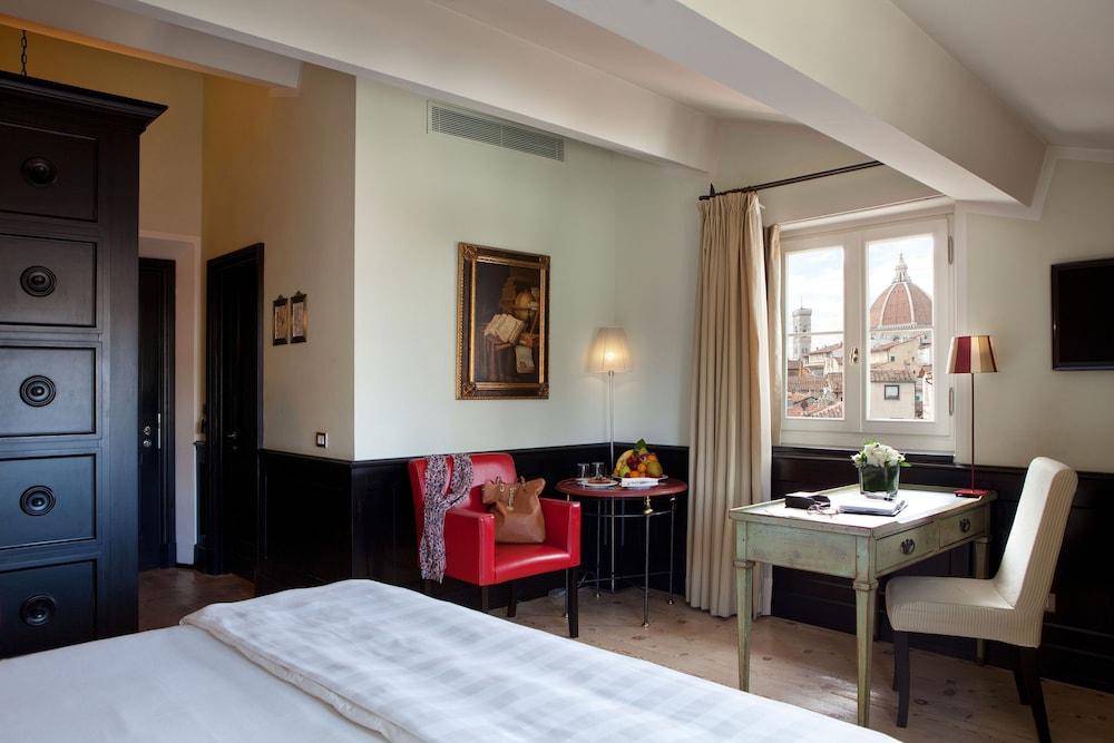 バリオーニ ルレ サンタ クローチェ フローレンス