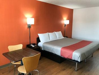 Motel 6 Bryan, TX