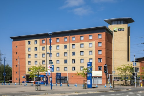 . Holiday Inn Express Leicester - City