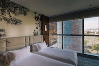 Classic Twin Room (Torre Agbar View)