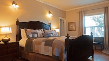 Room, 1 King Bed (Ellington)