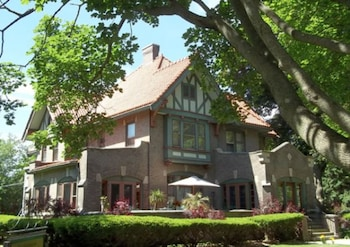 The Mansion Bed & Breakfast