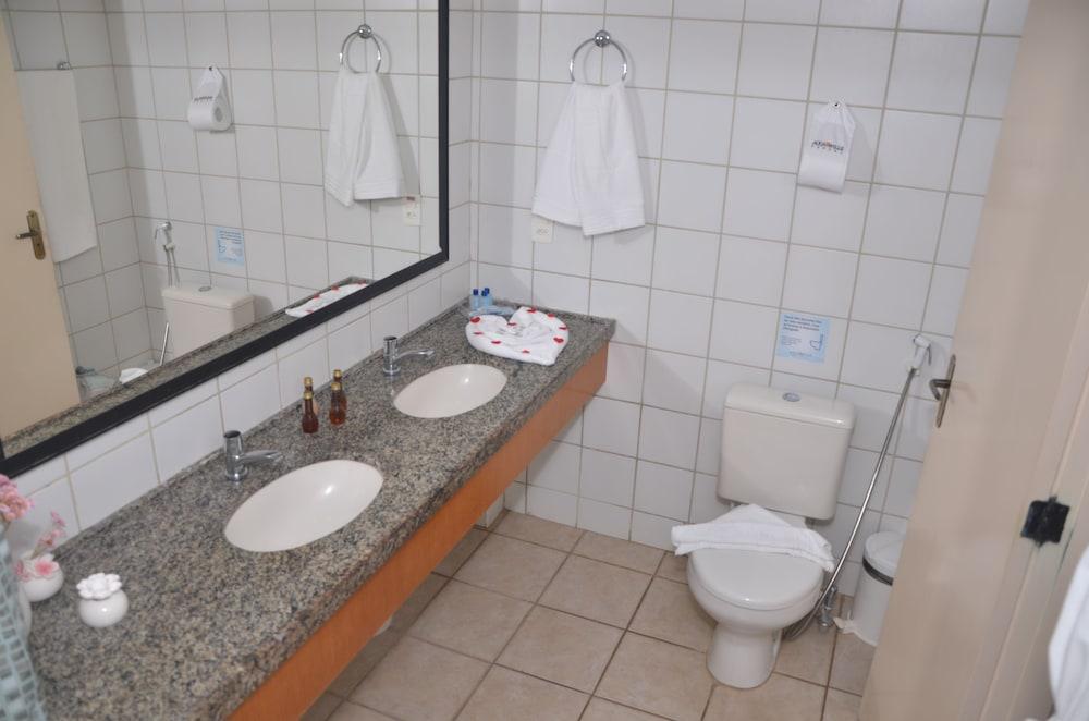 아쿠아빌 리조트(Aquaville Resort) Hotel Image 20 - Bathroom