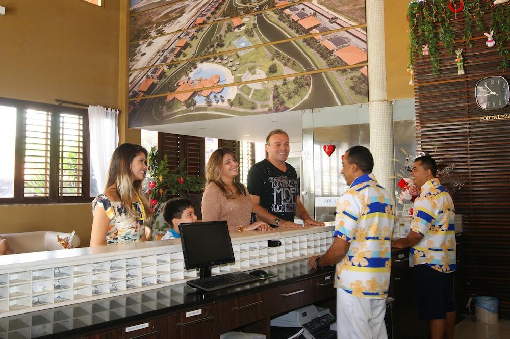 아쿠아빌 리조트(Aquaville Resort) Hotel Image 2 - Interior Entrance