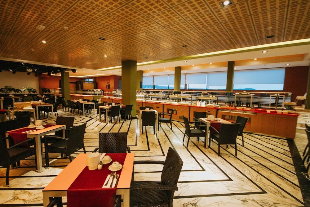 세르바투 푸에르도 아술 - 올 인클루시브(Servatur Puerto Azul - All Inclusive) Hotel Image 62 - Restaurant