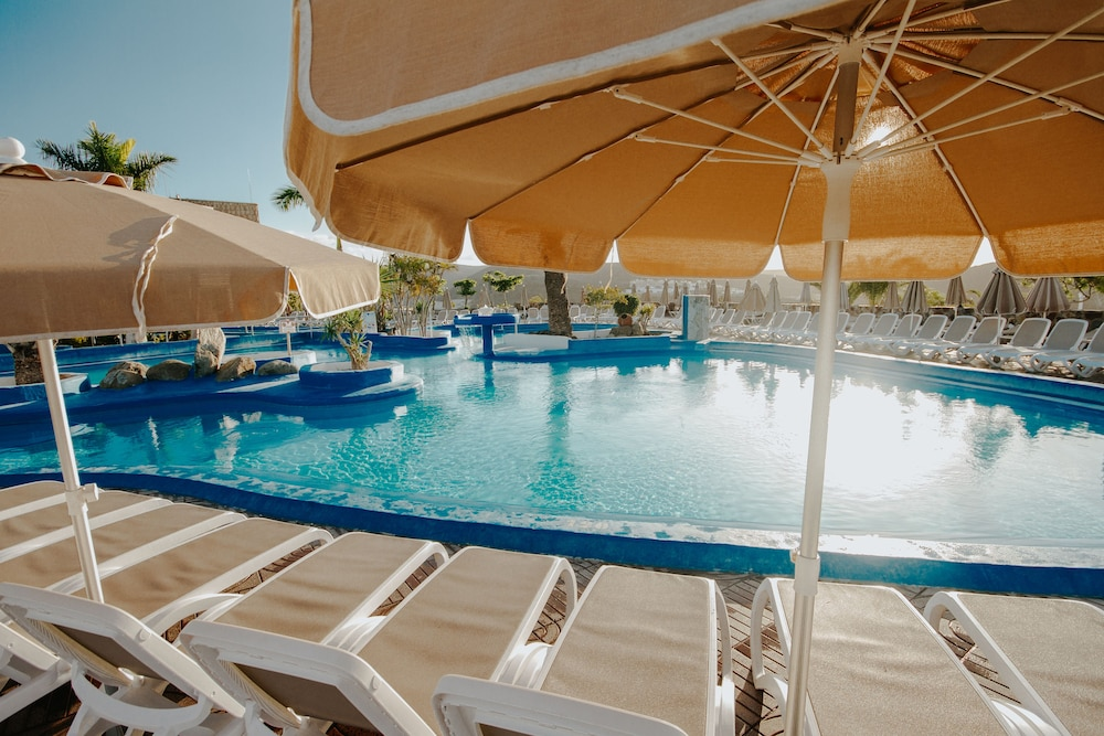 세르바투 푸에르도 아술 - 올 인클루시브(Servatur Puerto Azul - All Inclusive) Hotel Image 27 - Outdoor Pool