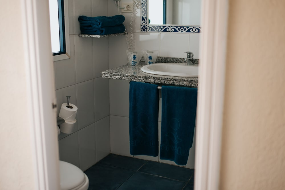 세르바투 푸에르도 아술 - 올 인클루시브(Servatur Puerto Azul - All Inclusive) Hotel Image 23 - Bathroom