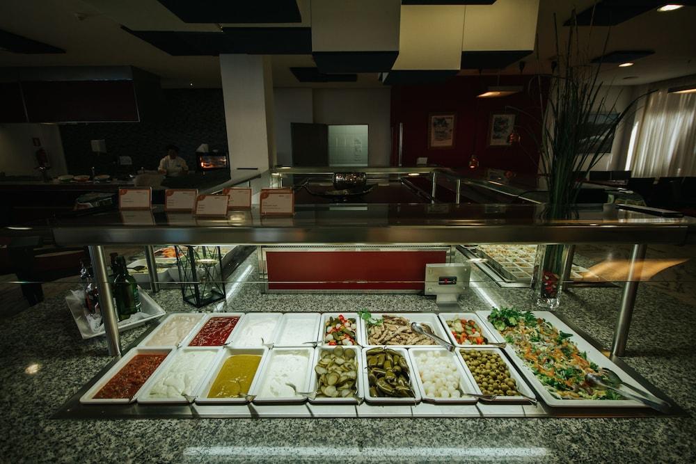 세르바투 푸에르도 아술 - 올 인클루시브(Servatur Puerto Azul - All Inclusive) Hotel Image 69 - Buffet