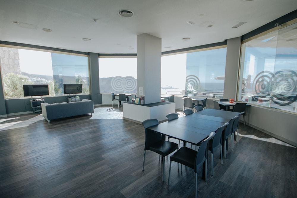 세르바투 푸에르도 아술 - 올 인클루시브(Servatur Puerto Azul - All Inclusive) Hotel Image 13 - Living Area
