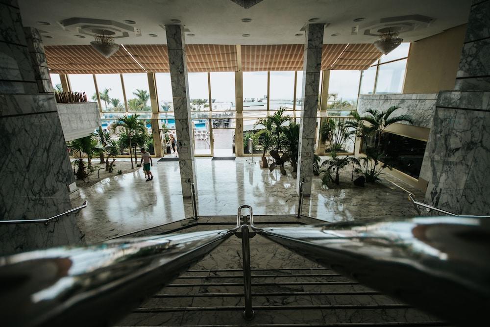 세르바투 푸에르도 아술 - 올 인클루시브(Servatur Puerto Azul - All Inclusive) Hotel Image 1 - Lobby
