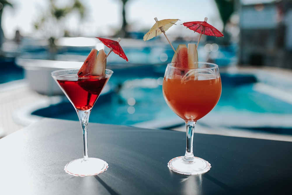 세르바투 푸에르도 아술 - 올 인클루시브(Servatur Puerto Azul - All Inclusive) Hotel Image 104 - Poolside Bar