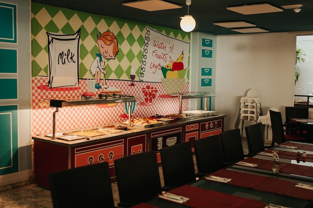 세르바투 푸에르도 아술 - 올 인클루시브(Servatur Puerto Azul - All Inclusive) Hotel Image 83 - Family Dining