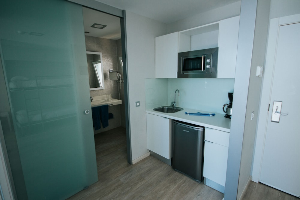 세르바투 푸에르도 아술 - 올 인클루시브(Servatur Puerto Azul - All Inclusive) Hotel Image 13 - In-Room Kitchenette