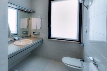Hotel Forum - Bathroom  - #0