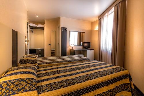 Beausoleil - Hotel Forum - z Warszawy, 30 marca 2021, 3 noce