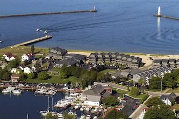 Hotel - Harbor Lights Resort