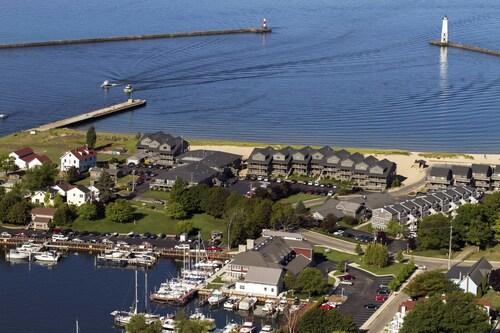 . Harbor Lights Resort