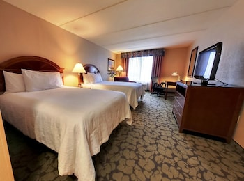 Superior Room, 2 Queen Beds, Accessible