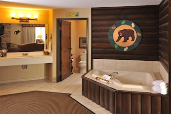 Theme Suite with Whirlpool