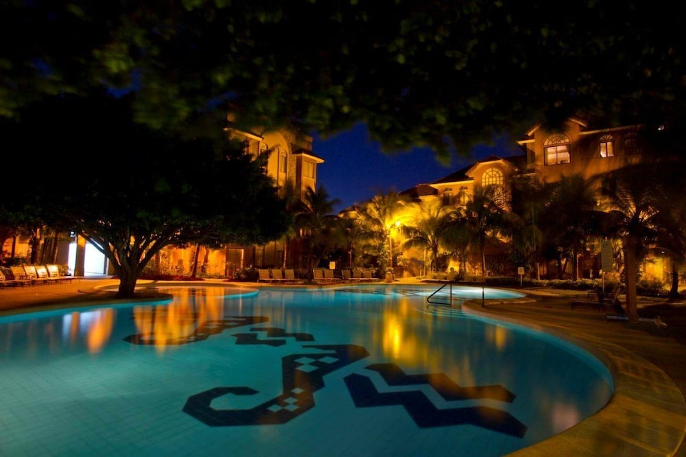 https://i.travelapi.com/hotels/2000000/1160000/1156100/1156088/2098b277_z.jpg