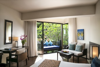 Deluxe Garden View Room