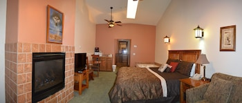 Superior Room, 1 King Bed (Spa Room)