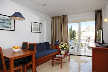 Apartment, 1 Bedroom (3 Adults + 1 Child)