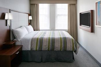 Deluxe Suite, 1 Queen Bed (1 bedroom)