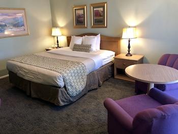 Standard Room, 1 King Bed, Garden View