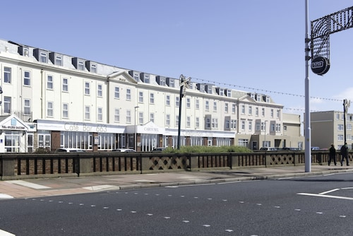 . Carousel Hotel