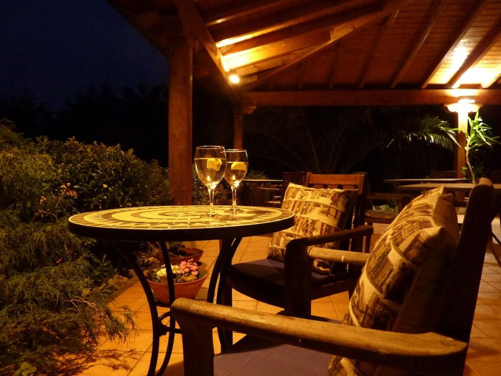 아이레 데 루에스가(Aire de Ruesga) Hotel Image 47 - Porch