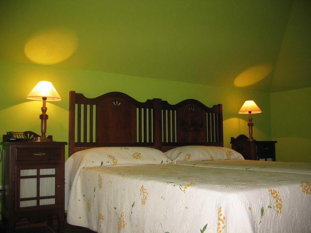 아이레 데 루에스가(Aire de Ruesga) Hotel Image 6 - Guestroom