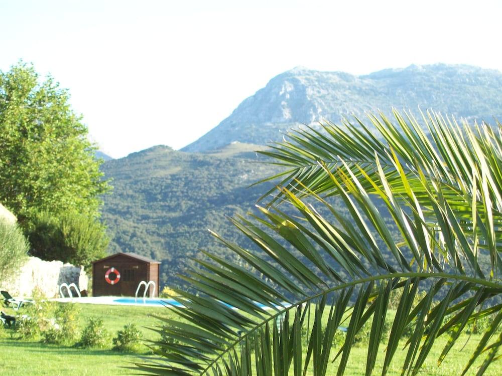 아이레 데 루에스가(Aire de Ruesga) Hotel Image 33 - Property Grounds