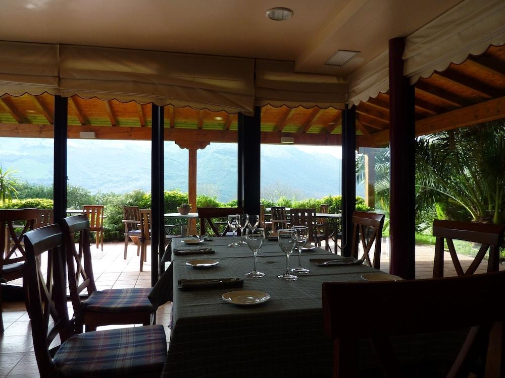아이레 데 루에스가(Aire de Ruesga) Hotel Image 23 - Restaurant