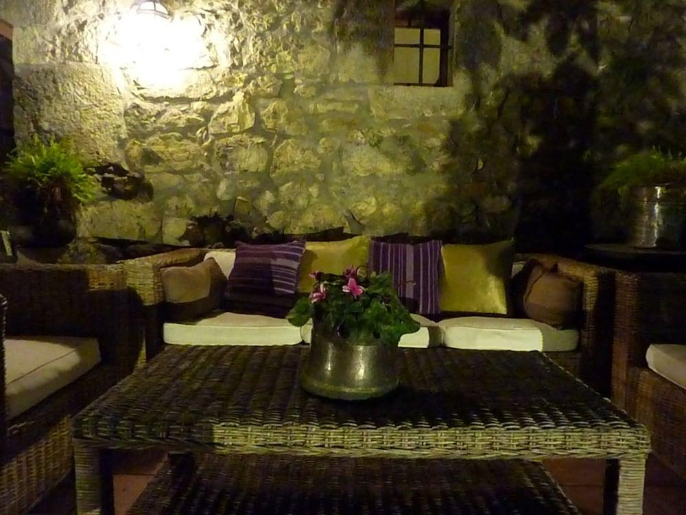 아이레 데 루에스가(Aire de Ruesga) Hotel Image 39 - Hotel Front - Evening/Night