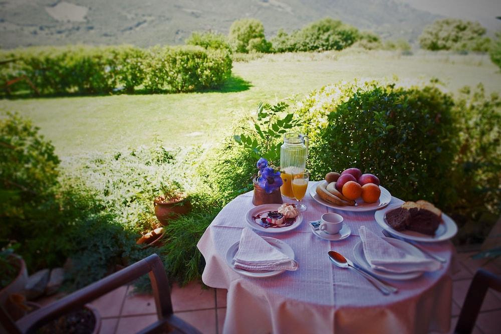 아이레 데 루에스가(Aire de Ruesga) Hotel Image 40 - Outdoor Dining